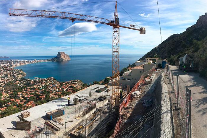 El periódico Levante-EMV ha publicado un articulo sobre la villa en Calpe que estamos construyendo