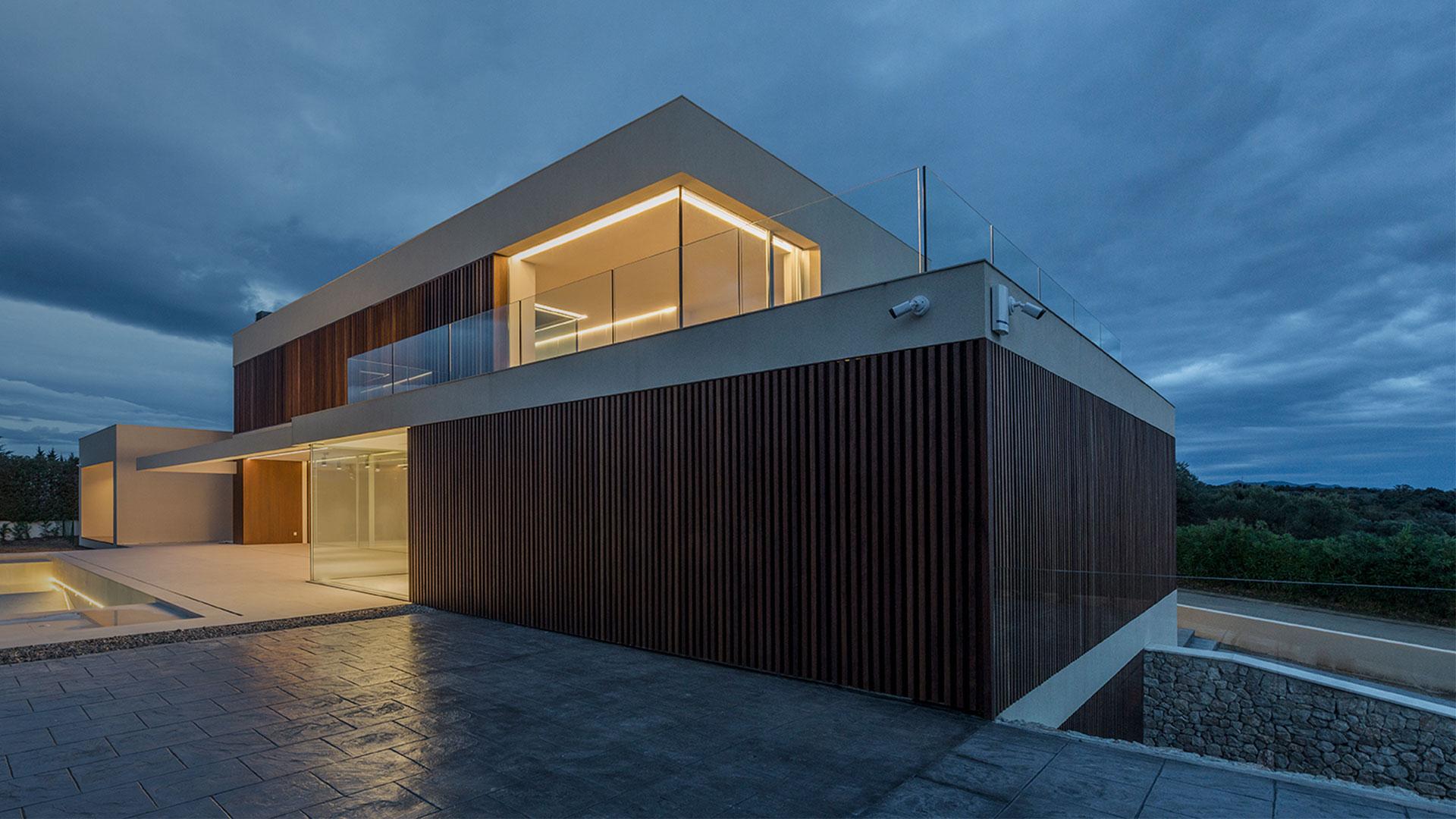 ENE Construcción constructora en España, Villa en Peralada, Girona, arquitecto Circulo Azul